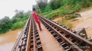 ट्रेन खतरनाक वीडियो😱😱😱☝️☝️☝️Train dangerous videos