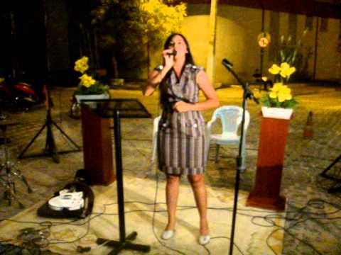 Em Tua presença - Cantora Monaliza canta no Culto de 20 anos da Priscila Boutique, 04/05/2012.