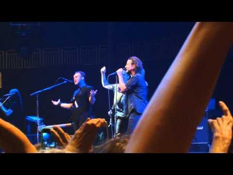 Mike McCready's Mom - Happy Birthday (Live in Berlin 2012)
