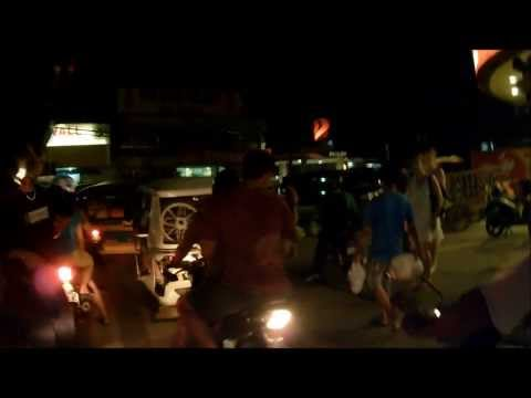 Puerto Princesa, Palawan Philippines Tour notturno in scooter