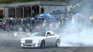 300C SRT8  Supercharged Burnout
