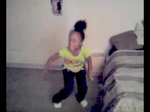 LITTLE GIRL DANCING TO LIL WAYNE RICH ASS FUCK