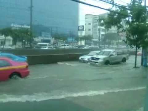 Rain. Ratchadapisek, Bangkok