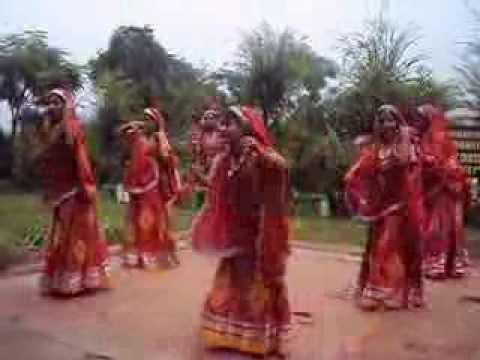 Rajasthani Dance-Rangeelo Maro Dholna