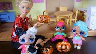 LOL SURPRISE DOLLS Carve Pumpkins & Get New Outfits!