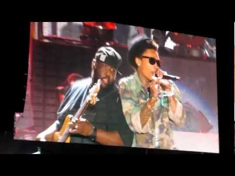 Young, Wild & Free - Snoop Dogg & Wiz Khalifa (Live @ Coachella 2012) [HIGH QUALITY]