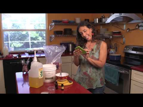 Make Gardener's Hand Scrub — An Aromahead App Recipe