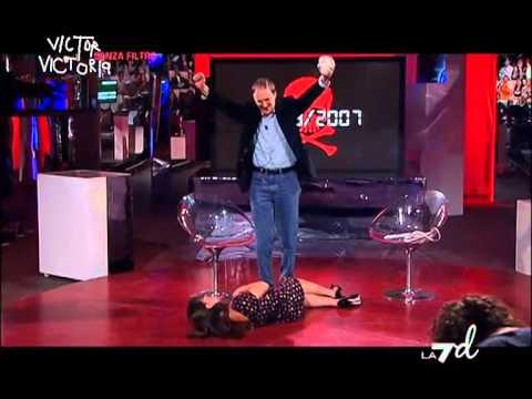 Victor Victoria Senza Filtro - Tra gli ospiti: Clarence Seedorf, Enzo Iacchetti (07/05/2013)