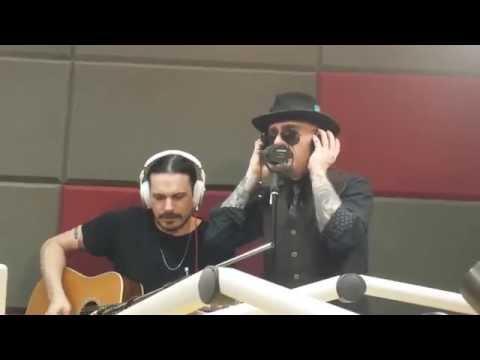 J-Ax Il bello di esser brutti live Radio Radio Roma