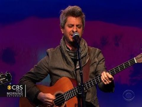 Mike Gordon performs
