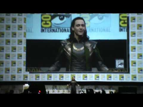Tom Hiddleston apareció personificando a Loki en Comic-Con 2013 (VIDEO)