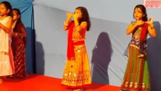 "Krisha's group dance performance on ""Radha Teri Chunri"""