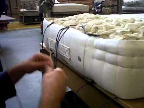 Get Cheap Vargo King Dreamax Pillow Top Mattress With Gel Memory Foam By Furniture Of America