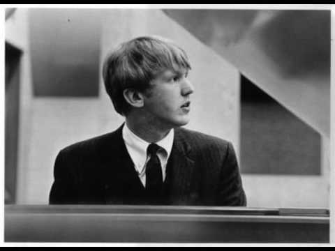 Harry Nilsson - Love Is The Answer
