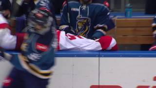 Егор Морозов отправляет Макса Потапова на скамейку