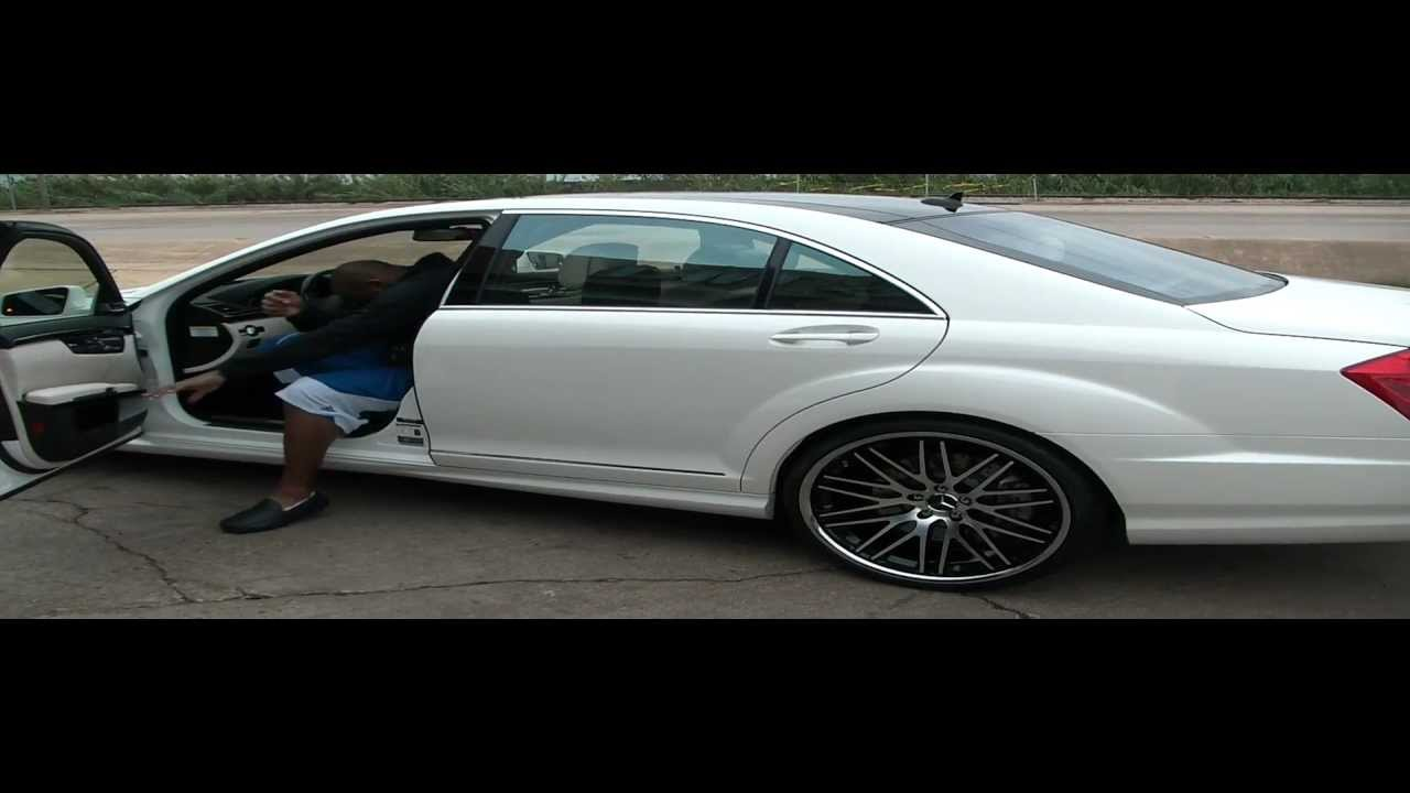 Mario williams and his new 2012 mercedes benz s65 amg v12 for Mercedes benz s65 v12 biturbo