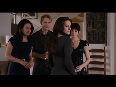 New 'Breaking Dawn Part 2' Clip - Bella's Vampire Lessons!