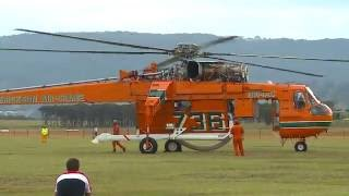 Sikorsky-Erickson Air Crane - 'Incredible Hulk' - Start up & Take Off