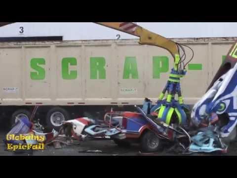Машину разорвали в порох. Подборка курьезов с железными конями 2014