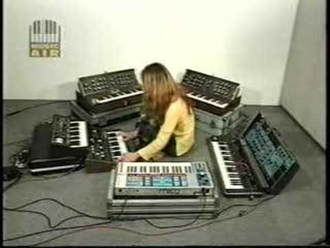 moog solo bunmei #2 Music Videos