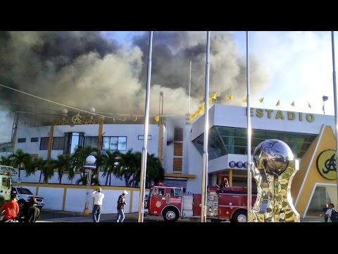 Estadio Cibao Santiago En Fuego Aguilas - Se Prende & Quemandose Incendio Aguila 2014!!!