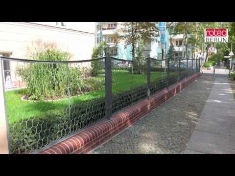 Schmiedezaun, Schmiedeeisenzaun, Schuppengeflecht Und  Historischer Zaun Aus Berlin