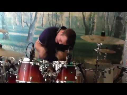 парализованный барабанщик с туберкулезом мозга