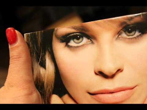 Alessandra Amoroso- Prenditi Cura Di Me.