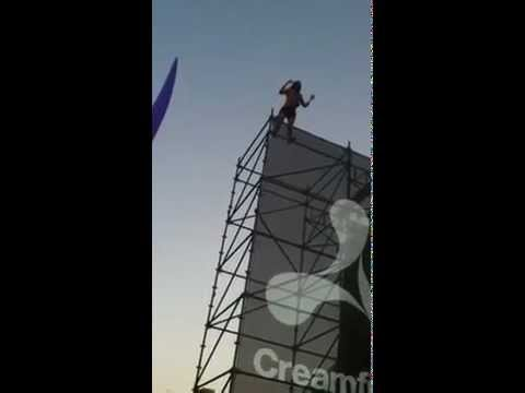 Festival Goer at Ceamfields (Australia) Falls from Scaffold.mp4