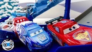 Cars Circuits 🚘 and Racing with Lightning McQueen