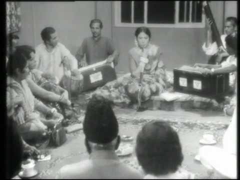 Ghazal - Iqbal Bano - Kuch To Ehsas E Zayan