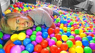 TRANSFORMING MY ROOM INTO A BALL PIT!
