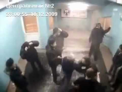 Russian Badass Takes Out 5 In Metro Station video