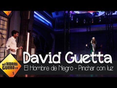 David Guetta pinchando con luz en El Hormiguero 3.0