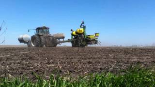 Maximum Farming powered by Ag Spectrum: Planters In the Field