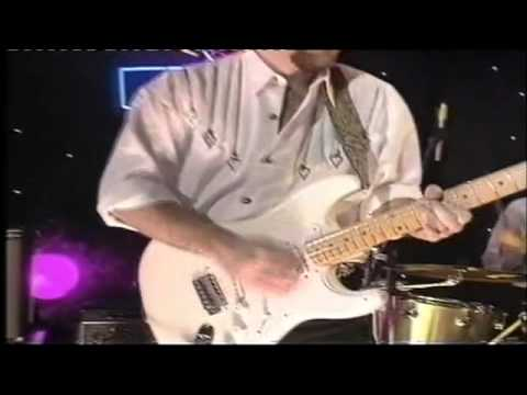 Todd Sharpville and vocalist Earl Green live on UK TV in 1995 -