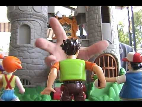 Random Bonus Action Figure Movie #8 Ash Vs. the Castle