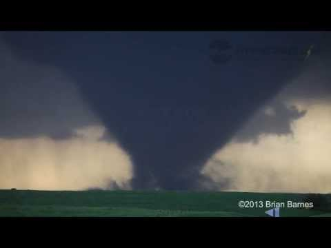 BIRTH OF INCREDIBLE EF-4 TORNADO!