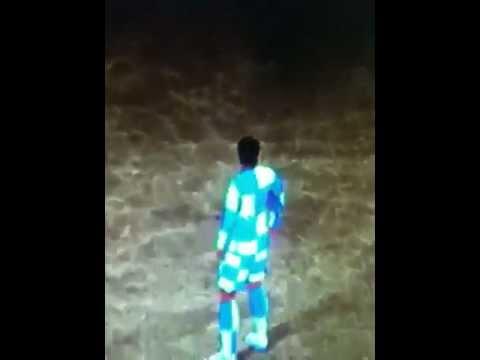 FIFA 12   Strip Glitch!
