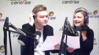 """Vudis, Giedrė ir Simas laidoje """"Po ketvirtos"""" dainuoja apie meilę."""