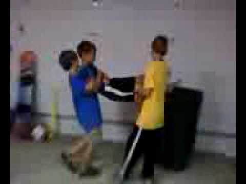 These two cousins are pretty much bullies to this innocent little cousin. (sry bout the quality i took the vid with my fone)