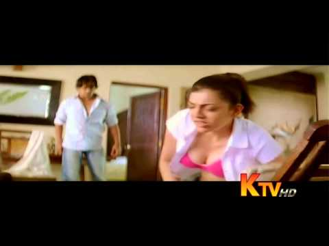 Kajal Agarwal Hot Cleavage Show - Top Opens Wardrobe Malfunction video