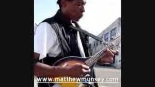 Barry Scott's new mandolin player!!! Check out! (blackmando.3gp)