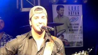 Watch Luke Bryan Stuck On You video