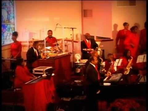 Minister Darryl Cherry & The Heights - HARK THE HERALD ANGELS SING (Live)