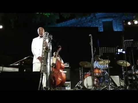Hamiet Bluiett feat. Curtis Lundy&Lee Pearson @ Eddie Lang Jazz Festival 2010 (HD VideoMix)