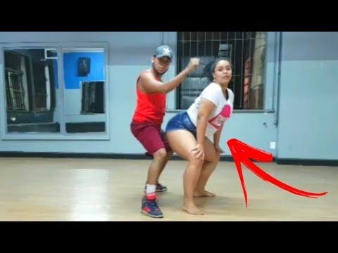 Gordinha Arraza dançando Abusadamente - MC Gustta e MC DG COREOGRAFIA, Passinho dos Malokas thumbnail