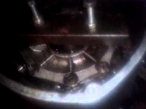 Видео как снять крышку двигателя