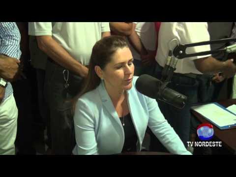ENTREVISTA DE ROBERTA ARRAES NA ARARI FM