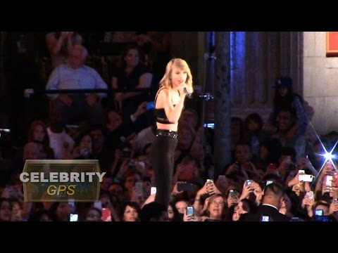 Taylor Swift honored in New York - Hollywood.TV